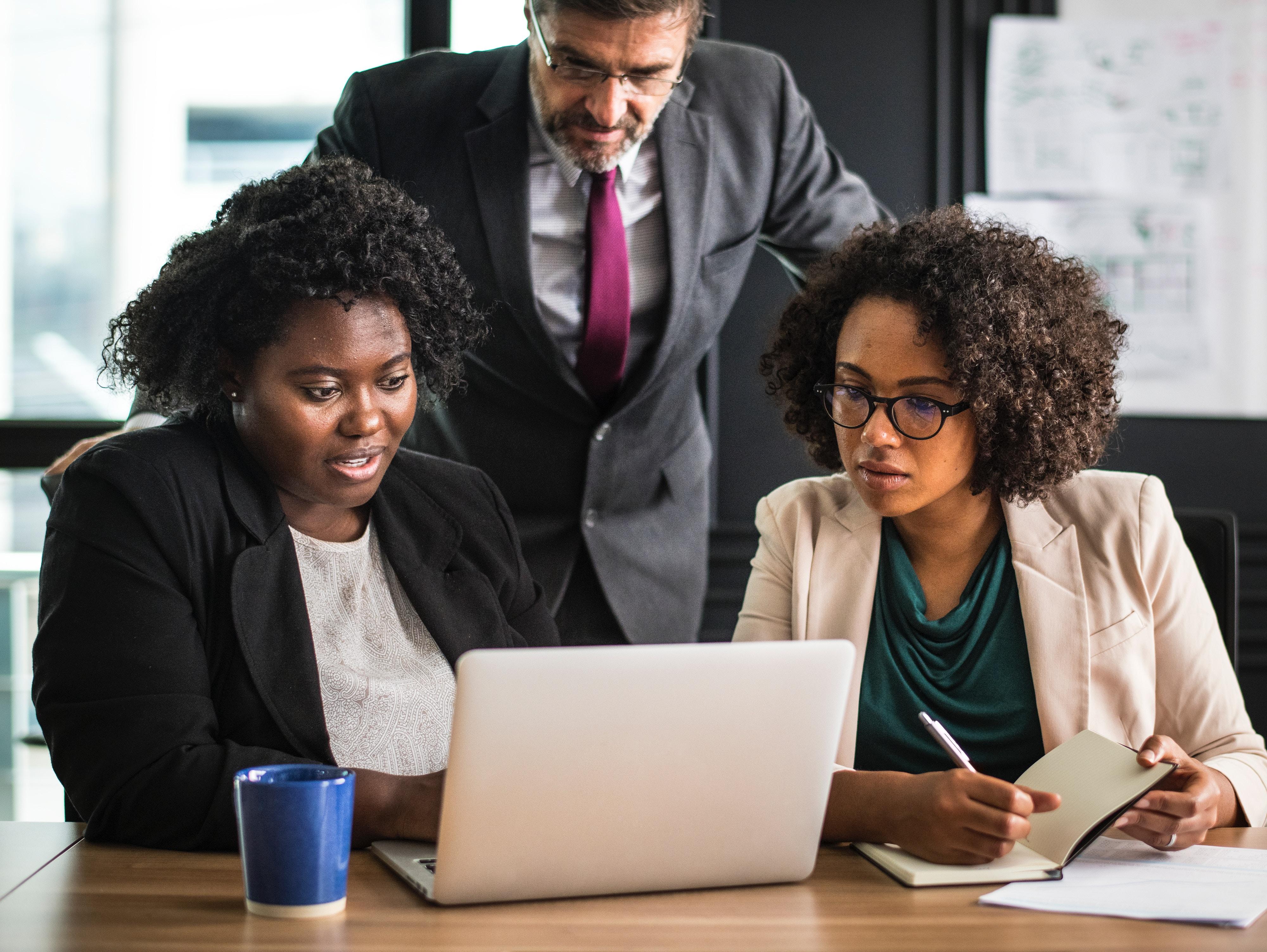 Contratti di Apprendistato: quali vantaggi per le aziende?