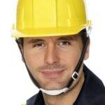 Gli operai edili sono obbligati a portare il caschetto in cantiere