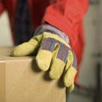 I guanti antinfortunistici sono utili a proteggere il lavoratore da eventuali fattori di rischio